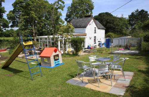 Cully Cottage Leitrim for Irish holidays with style