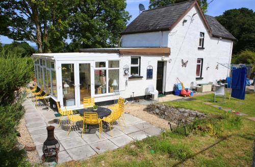Cully Cottage at Lake Garadice ideal for fishing holidays