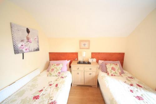 Cully Cottage for up to 7 people is pet friendly
